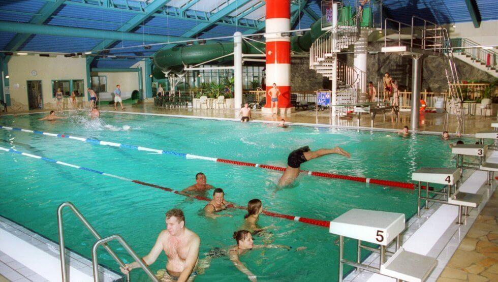 Hallenbad fkk baden Wellness in