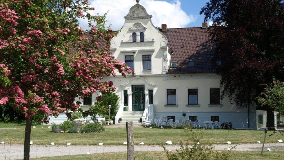 Pension, Landhaus